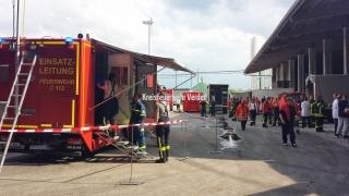 Er ist damit bestens ausgerüstet zur Koordination größerer Einsätze von Feuerwehren und anderen Hilfsorganisationen ...